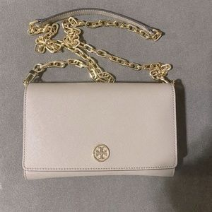 Tory Burch Robinson wallet gold chain
